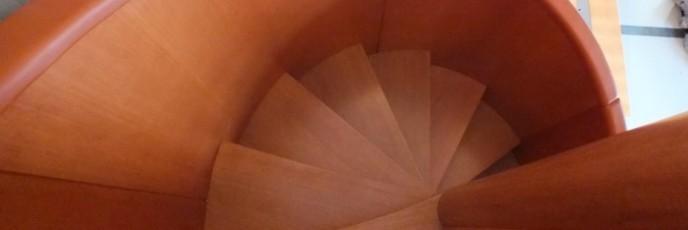 escalier bois et cuir